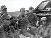 ss_totenkopf_and_wehramcht_tank_crew_by_c18flo-d6khcgs
