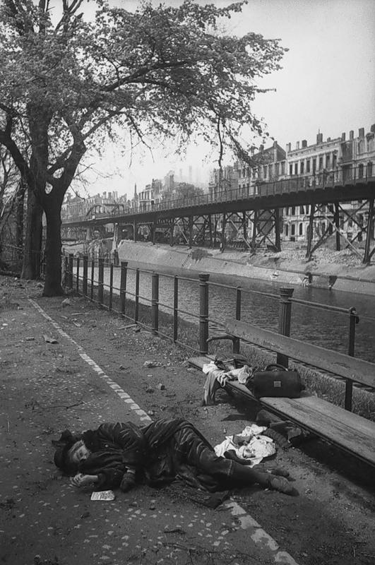 suicidi-aprile1945